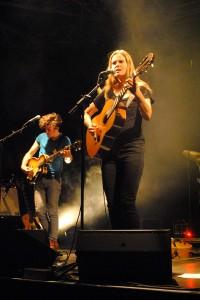 Dota Kehr und Jan Rohrbach am Bass © Marie Tollkühn