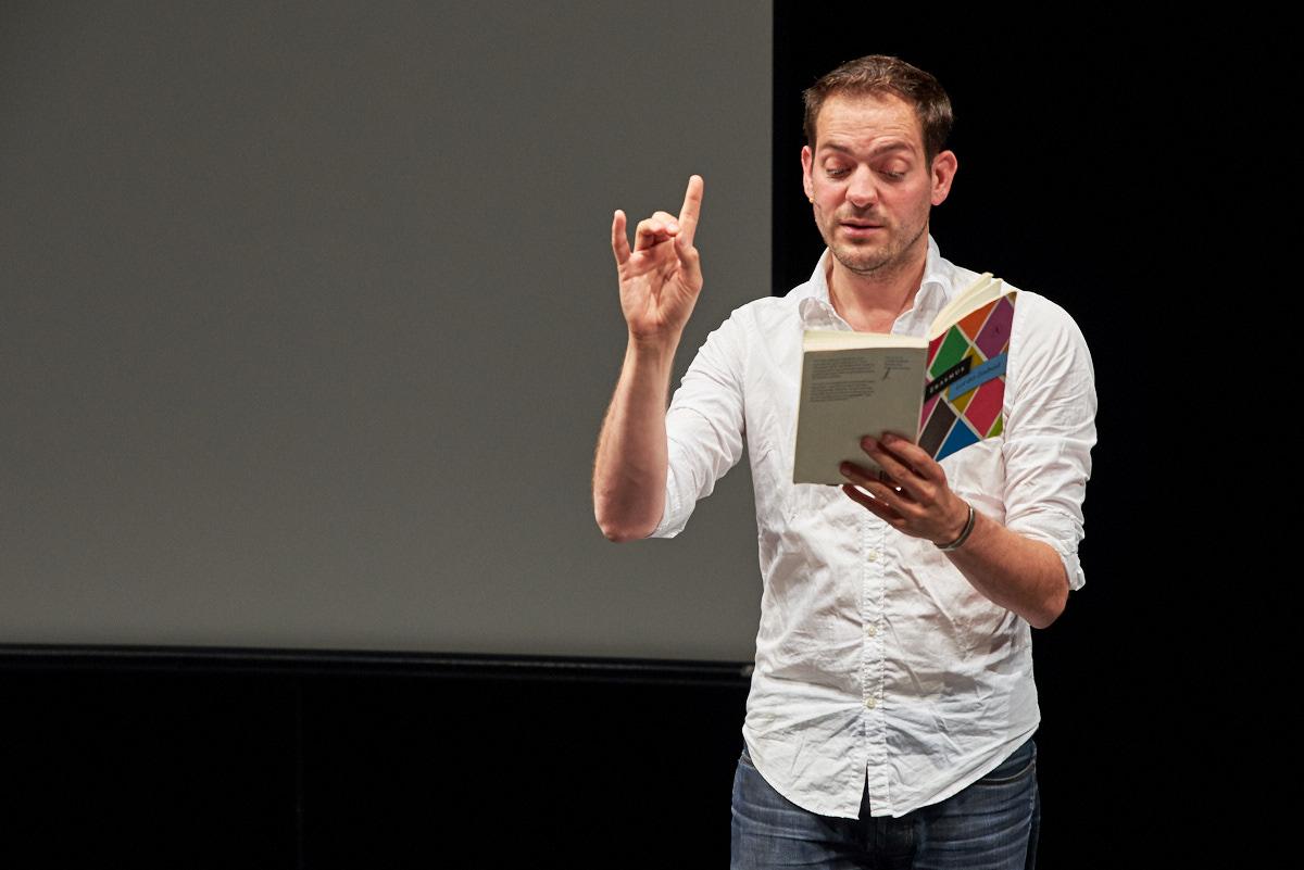 Lucas De Man liest aus Erasmus von Rotterdam